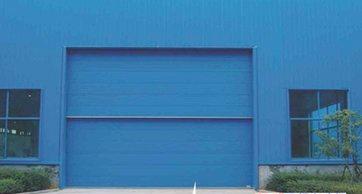 使用工业提升门